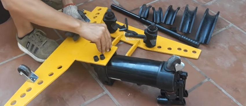 cách sử dụng máy uốn ống thủy lực 2