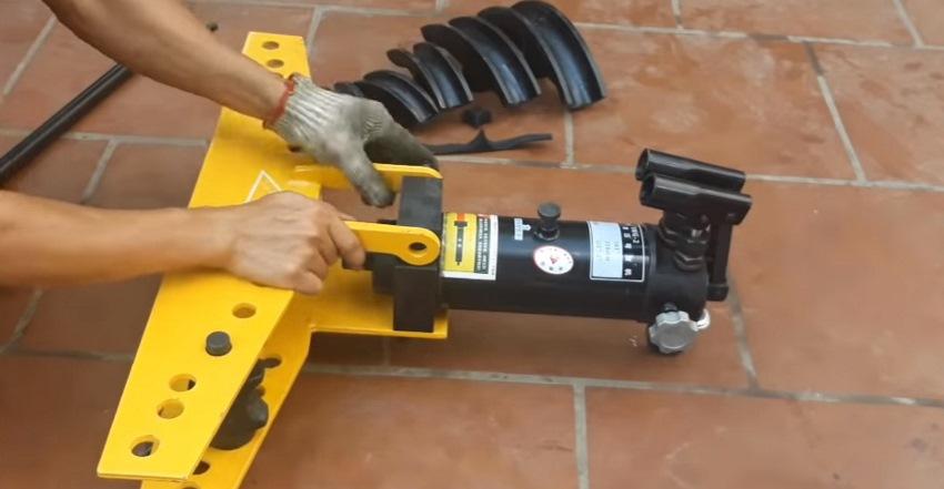 cách sử dụng máy uốn ống thủy lực 4
